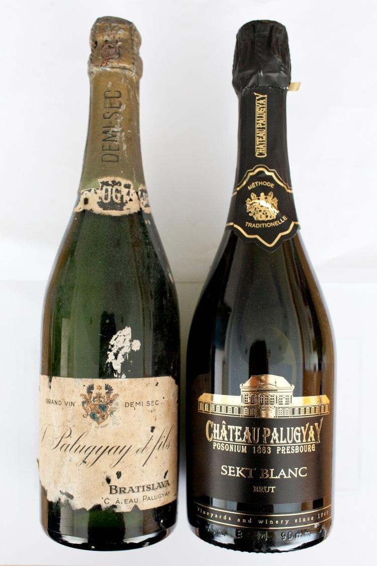 Dochovaná historická fľaša sektu z pivníc Chateau Palugyay zo začiatku 20. storočia a súčasná podoba sektu rovnakej značky z pivníc Villa Vino Rača. FOTO: Presscentrum