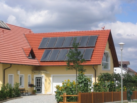 Na Slovensku a v Čechách chce spoločnosť THERMO|SOLAR dať Duo–Plus systém do predaja začiatkom roku 2013.