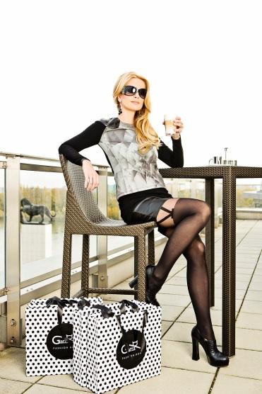 """Marianna Ďurianová: """"Na módnom móle som stála už niekoľkokrát. Už som stihla niekoľko prehliadok aj po pôrode, no vždy som si chcela vyskúšať aj úlohu fotomodelky. Predsa len, je to niečo iné. Atak, keď som dostala ponuku od spoločnosti Gatta, sradosťou som ju prijala."""""""