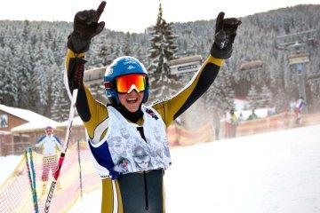 Druhý ročník masového zjazdu Red Bull Zjazd na Doraz, ktorý sa konal počas víkendu v lyžiarskom stredisku Jasná v Nízkych Tatrách,  vyhral Michal Bekeš