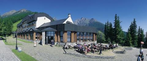 Horský hotel Sorea Hrebienok vnajvyššom ochrannom pásme TANAPu je podľa geografov východiskom všetkých turistických trás.
