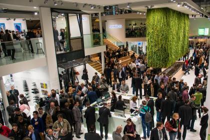 Do stánku spoločnosti Schüco International KG zavítalo viac ako 10-tisíc ľudí