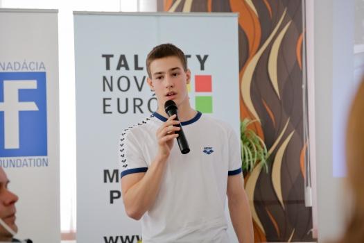 Alexander Světlík získal vo svojej krátkej kariére 22 titulov majstra SR, víťazí na medzinárodných plaveckých podujatiach acelkovo prekonal 51 slovenských rekordov vplávaní.