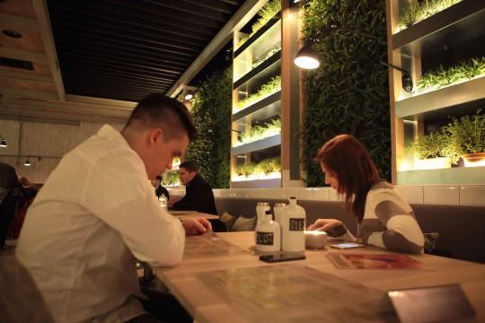 Ešte pred otvorením reštaurácie si mohlo Mercado vyskúšať 120 držiteľov Medusacard.