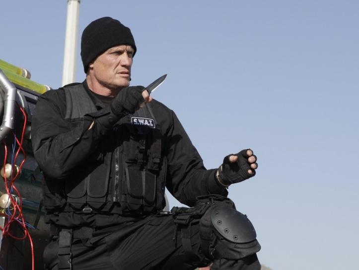 Dolph Lundgren s filmárskym kolegom počas nakrúcania spotu pre Orange.