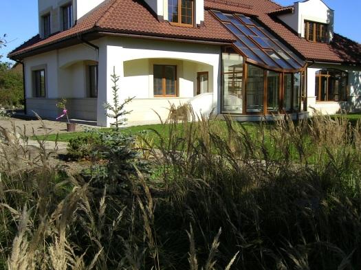 OKNOPLAST, líder na európskom trhu okien a dverí, prináša riešenie ideálnej ochrany proti hmyzu.