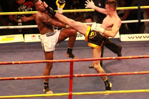 Návrat thajboxera Vladimíra Draculu Moravčíka pred domáce publikum sa vydaril. Zdroj foto: ACCESS Production, s.r.o.