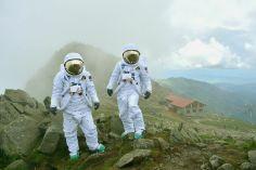 Dvaja astronauti pristáli počas víkendu vNízkych Tatrách na druhom najvyššom vrchu – na Chopku.
