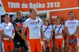 V piatok 5. júla štartuje kampaň na bicykli TOUR de Baška, počas ktorej prejde kandidát na župana s priateľmi všetkých 276 obcí a miest Trenčianskeho kraja, čo je 1134 kilometrov.