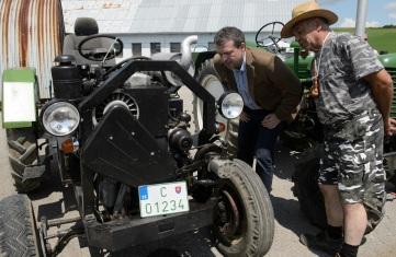 Podľa spolupredkladateľa novely Jaroslava Bašku sa novelou výrazne uvoľnia ruky a uľahčí práca stovkám malých hospodárov, farmárov, majiteľov traktorov, vlečiek a iných podomácky vyrobených vozidiel.