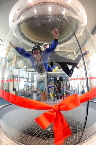 Simulátor pracuje na princípe zvislého prúdenia vzduchu, ktorý do 14 m vysokej komory vháňajú ventilátory s výkonom 1420 kW.