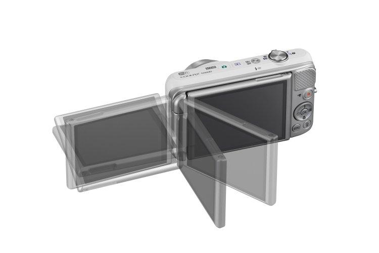 Nikon COOLPIX S6600: Snímanie úchvatných autoportrétov je odteraz ľahšie vďaka novému výklopnému a otočnému displeju fotoaparátu COOLPIX S6600, ktorý je špeciálne navrhnutý tak, aby pomáhal pri komponovaní snímok apri snímaní znadhľadu alebo podhľadu.