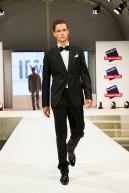 """Model Florian Luger počas prehliadky v rámci 12. ročníka """"Late Night Shopping"""""""