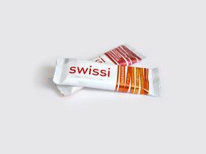 Müsli tyčinka Swissi od Tekmaru: Čo nemá, je pridaný cukor. Čo má, je veľa vlákniny, vitamínov a minerálov.