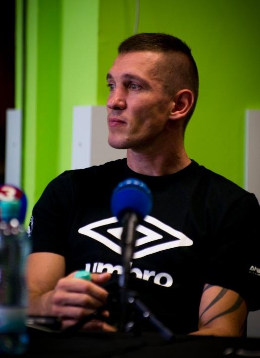 O titul sa bude Tomi usilovať 23. novembra 2013 proti 30- ročnému Beibutovi Shumenovi, ktorý je aktuálnym majstrom sveta WBA v poloťažkej váhe.