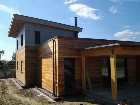 Dom s konopnou izoláciou v Záhorskej Bystrici. Každý záujemca si môže v piatok a v sobotu 4. a 5. októbra 2013 pozrieť skutočné domy z dreva, mnohé už obývané a vyskúšať si tepelnú a pocitovú pohodu, akú poskytujú.