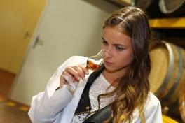 Nela neváhala apriučila sa aj ochutnávaniu brandy, ktoré má kvínam blízko.