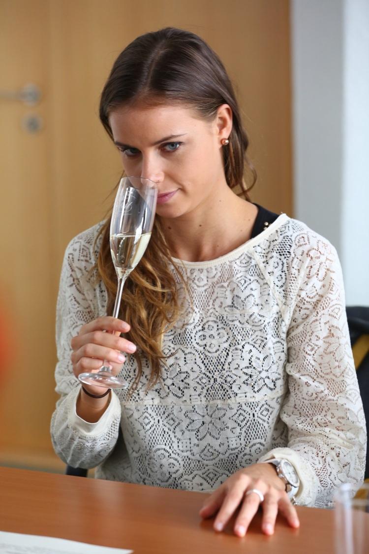 Dôležitým faktorom pri posudzovaní vína je čuch.