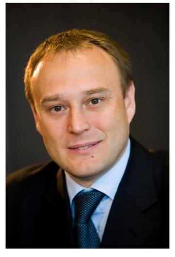 Novým generálnym riaditeľom a predsedom  predstavenstva VÚB banky sa od 1. októbra stane Alexander Resch.