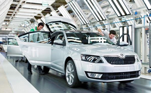"""ŠKODA AUTO je tretíkrát za sebou na prvom mieste medzi výrobnými podnikmi podľa štúdie """"Deloitte Top 500 CE"""""""