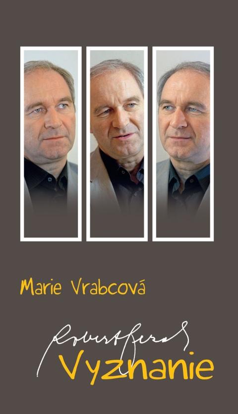 Novinárka Marie Vrabcová a arcibiskup Róbert Bezák predstavili knihu Vyznanie.