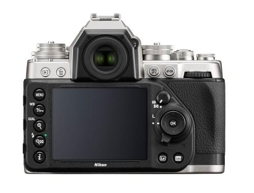 Srdcom fotoaparátu Df je rovnaký 16,2-megapixelový snímač CMOS formátu FX a obrazový procesor EXPEED 3, ktorý sa nachádza v profesionálnej vlajkovej lodi medzi fotoaparátmi od spoločnosti Nikon, vo fotoaparáte D4.