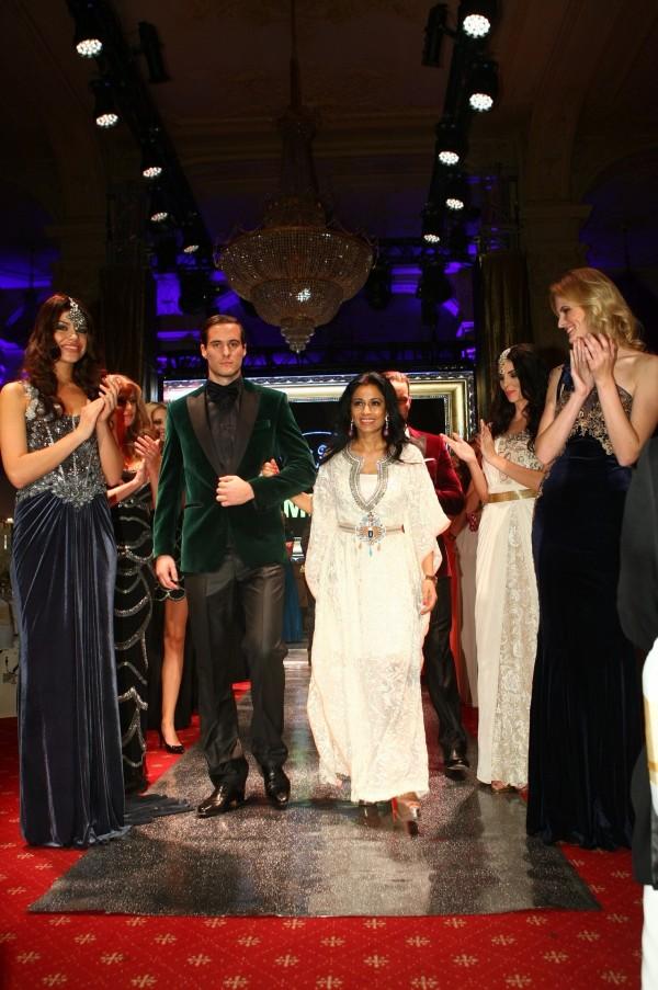 Famóznu fashion show zabezpečila svetovo uznávaná návrhárka Rashmi Kumari, ktorá predstavila značku C'est Moi vhodnote 90-tisíc eur.