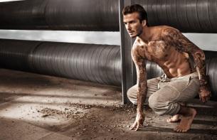 Všetky kaskadérske výkony David Beckham predvádza úplne sám. David nafilmoval dve alternatívne verzie celého spotu.