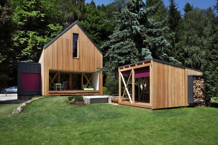 Typový dom Futura Freestyle je projektom architektonického arealizačného štúdia Prodesi   Domesi špecializujúceho sa výhradne na drevostavby.