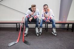Thomas Puskailer a Jakub Petraník milujú hokej a Snickers!