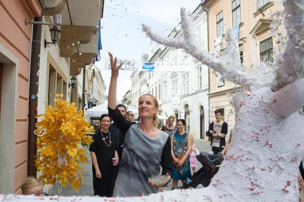 Adela Banášová: Krst obchodíka Krása vesmírna