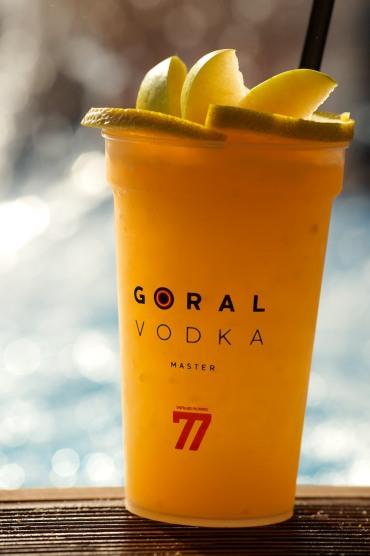 Načasovanie otvorenia klubu súvisí s uvedením novej ochutenej rady Goral Master na trh - limetka, grepfruit, brusnica.