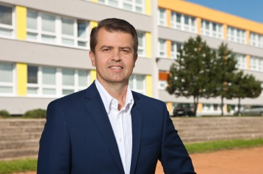 Mestská časť pod vedením Petra Pilinského kompletne zrekonštruovala školy a materské školy.
