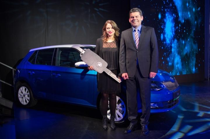 Prvou majiteľkou novej Škody Fabia je herečka Krisína Svarinská. Moderné štýlové vozidlo sinovatívnou technikou,nadčasovým dizajnom, Simply Clever riešeniami abohatou výbavou už od 8940 €