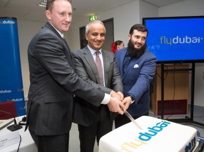 Na ešte väčšie povzbudenie bilaterálneho obchodu a cestovného ruchu, umožnila vláda Spojených arabských emirátov získať vstupné víza pre občanov 46 krajín, vrátane Slovenska, priamo na letisku v Dubaji.