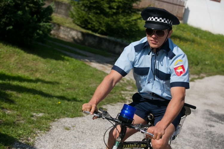 Horná Dolná obecný policajt