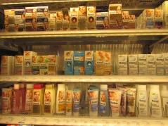 V prestavaných dm predajniach je vybudované nové osvetlenie regálov s prírodnou kontrolovanou kozmetikou.