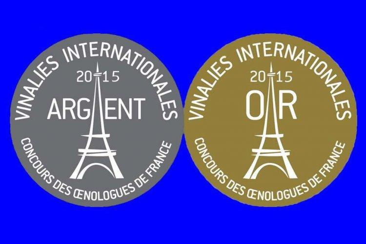 Zlatá a strieborná medaila. Súťaž Vinalies Internationales Paris je každoročne certifikovaná a koná sa pod patronátom UIOE – Medzinárodnej únie enológov, OIV – Medzinárodnej organizácie pre vinič a víno.