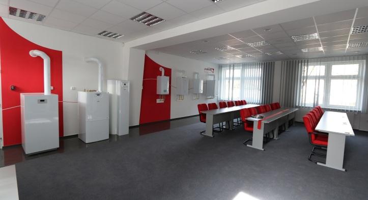 V rámci tréningov sa bude praktická časť  odohrávať na dvoch unikátnych tréningových produktových stenách.