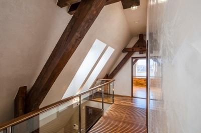 Strešné okná VELUX privedú do interiéru čerstvý vzduch vďaka tzv. komínovému efektu.