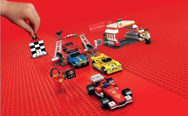 Červený svet LEGO autíčok Ferrari
