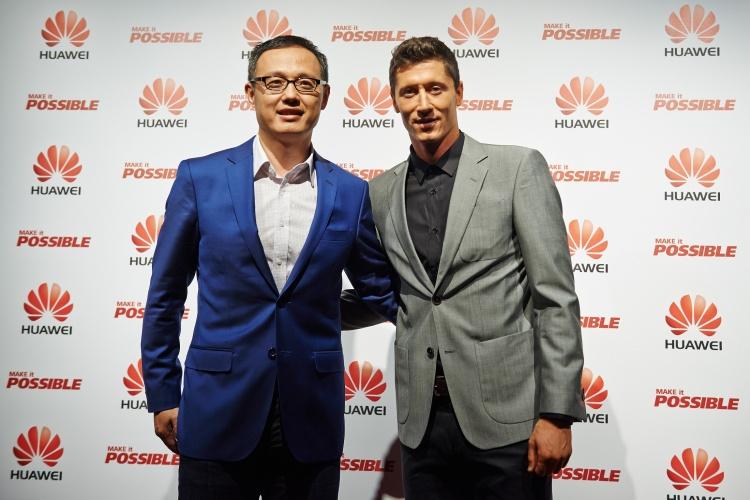 Robert Lewandowski, kapitán poľskej futbalovej reprezentácie a jeden z najlepších hráčov planéty, ktorý je zároveň hráčom Bayernu Mníchov sa stal novým ambasádorom Huawei pre vybrané oblasti Európy vrátane Slovenska.