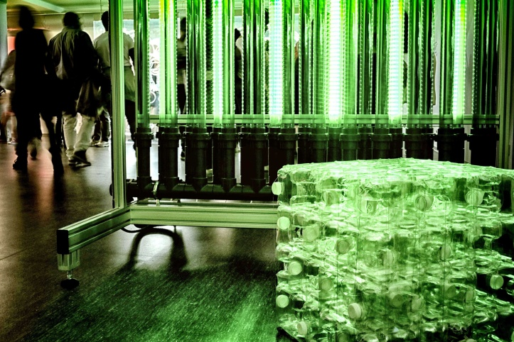 Priemyselný vzor na tehly z PETu, z ktorých tím PET-MAT zostavil unikátne dizajnové lavičky pre český pavilón na EXPO 2015.