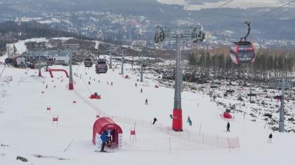 Vlyžiarskom stredisku v Tatranskej Lomnici si lyžiari na svahu Čučoriedky západ (východná strana svahu) môžuodmerať čas svojej jazdy vďaka novinke Audi Ski Aréne.
