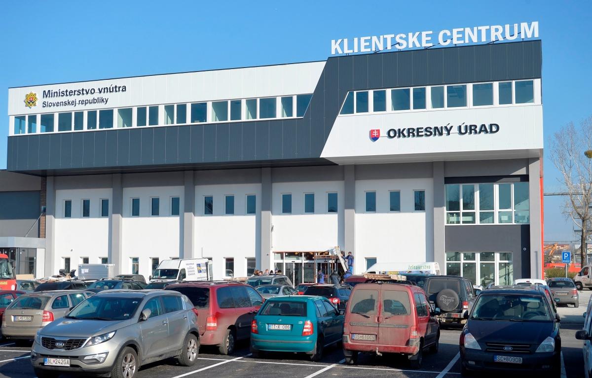 Okresný úrad Bratislava: Nové klientské centrum na Tomášikovej zverejnilo stránkové hodiny