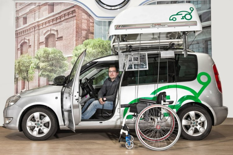 ŠKODA Handy ZŤP: Program rozvoja dopravnej mobility osôb so zdravotným postihnutím.