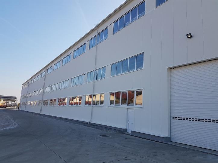 Nová moderná strojárska hala ŽOS Trnava za 6,6 milióna euro (bez DPH) spustila vo štvrtok 1.12. ostrú prevádzku.