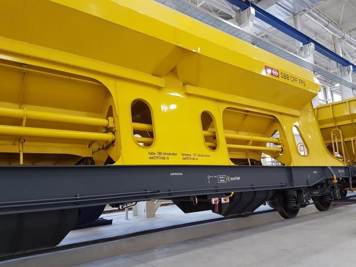 Nová hala bude slúžiť na opravy, revízie koľajových vozidiel a vozňov pre osobnú dopravu ako aj finálnu montáž nových nákladných vagónov.