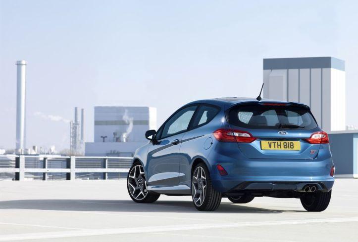 Prvý model od tímu Ford Performance vybavený trojvalcovým motorom zároveň ponúka jazdné režimy, ktoré upravujú charakteristiky motora, riadenia, stabilizačných systémov či dokonca zvuk výfuku