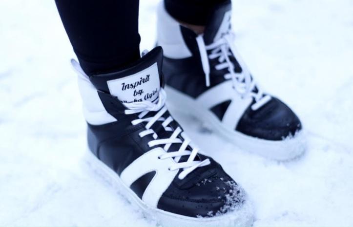 Vierka Ayisi na svojom krste predstavila okrem relácie ivlastnú športovú topánku, ktorú pomáhala navrhnúť.